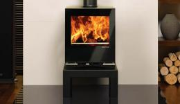 <p>Manufacturer:  Stovax&lt;br&gt;Nominal output: 6.5kW&lt;br&gt;Fuel type:    wood and  multi-fuel versions available&lt;br&gt;Smoke control exempt:  yes&lt;br&gt;Colours and finishes: gloss black paint finish&lt;br&gt;Net  efficiency: 73% wood, 76% smokeless fuels</p>