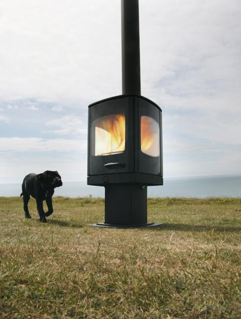 <p><span>Manufacturer: Charnwood&lt;br&gt;Nominal output: 5kW&lt;br&gt;Fuel type: wood&lt;br&gt;Smoke control exempt: yes&lt;br&gt;Colours and finishes: matt black and seven other colours in a painted finish&lt;br&gt;Net efficiency: 79.2%</span></p>