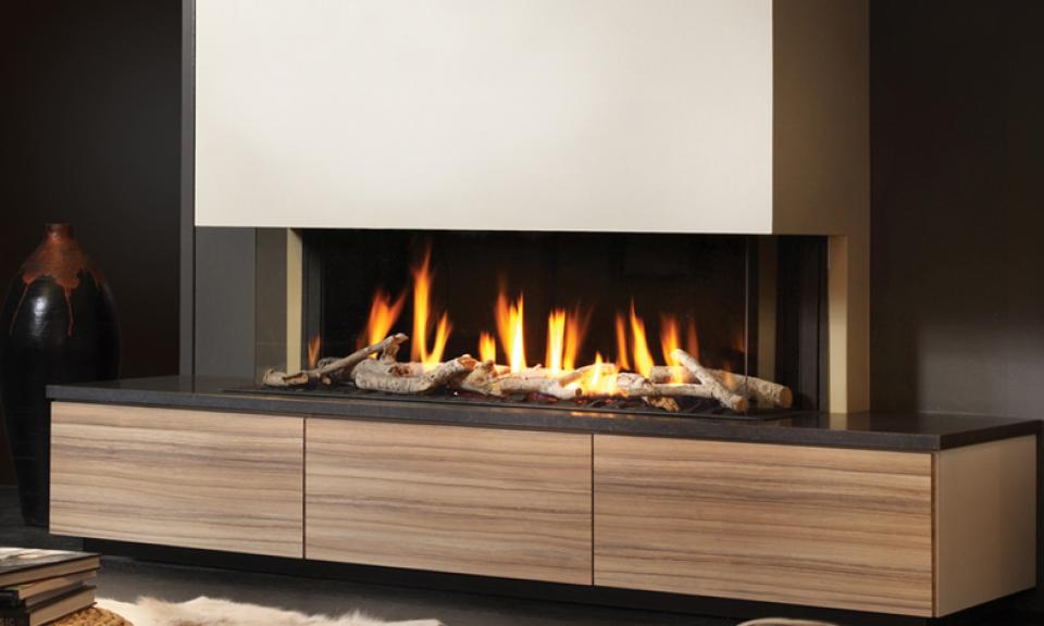 <p>Manufacturer: Dru&lt;br&gt;Output: 9.9kW natural gas, 10.6kW      propane&lt;br&gt;Fuel type: natural gas  and propane&lt;br&gt;Flue type:    balanced flue&lt;br&gt;Controls: full  remote    control&lt;br&gt;Colours   and finishes: cabinet in three wood  finishes, mantlepiece in blue stone&lt;br&gt;Net  efficiency: 85%</p>